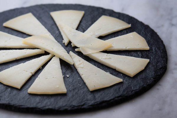 Ración de queso manchego